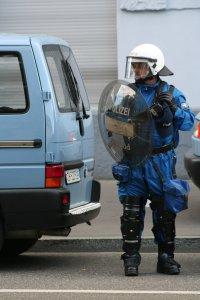 Abwartetende Polizei im Kanton Zürich Fotos und Bilder