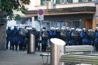 Rauchgranate Polizei Fotos und Bilder