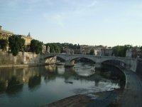 Tiber fliesst durch Rom Fotos und Bilder